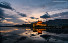 Dusk at Eilean Donan (Damon Finlay) Tags: wester ross westerross westeros scottish highlands scottishhighlands islands highlandsandislands landscape scotland eilean donan castle eileandonancastle dusk sunsets nikon d750 nikond750 tamron 2470 f28 tamron2470f28