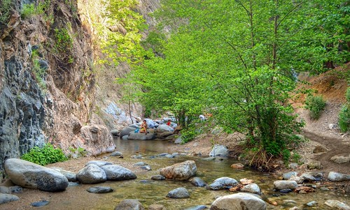 Retreat in San Gabriel Mountains- Eaton Canyon Trail