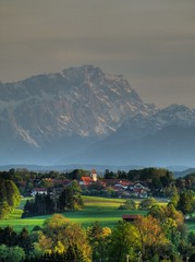 Zugspitze (Claude@Munich) Tags: alps germany bayern bavaria evening oberbayern upperbavaria alpen hdr zugspitze abendstimmung abends prealps ludwigshhe voralpen claudemunich voralpenland kleindingharting straslachdingharting ergertshausen