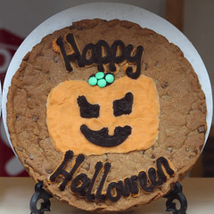 Happy Halloween (Leo Reynolds) Tags: food canon eos 100mm biscuit 7d squaredcircle iso320 f40 0008sec hpexif sqyork xleol30x sqset077