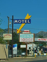 Along The Mother Road In Color (pam's pics-) Tags: new food signs newmexico southwest west architecture vintage mexico hotel route66 neon lodging albuquerque motel gas abq nm neonsigns motorinn centralavenue vintagesigns motorlodge motorcourt overnightontheroad nikond5000 april2012roadtrip lalunamotel