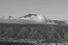 Nubes en el Avila (rams8986) Tags: mountain amrica venezuela valle ciudad caracas nubes miranda montaa cluds avila ccs warairarepano