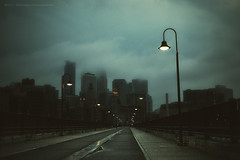 Mood (jpnuwat) Tags: lamp evening dusk minneapolis stonearchbridge dsc4473