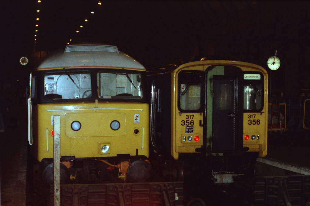 19860913 023 Kings Cross 47653 (D1674, 47088,47808, 47781) and 317356