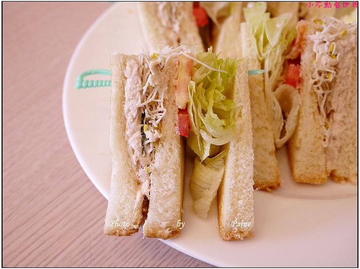 中壢Holiday cafe (5).JPG