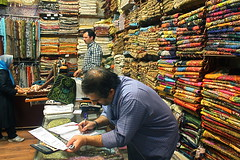 Tehran Bazar   -    (Parisa Yazdanjoo) Tags: hijab tehran seller bazar  termeh tehranbazar     iraniantraditionalart