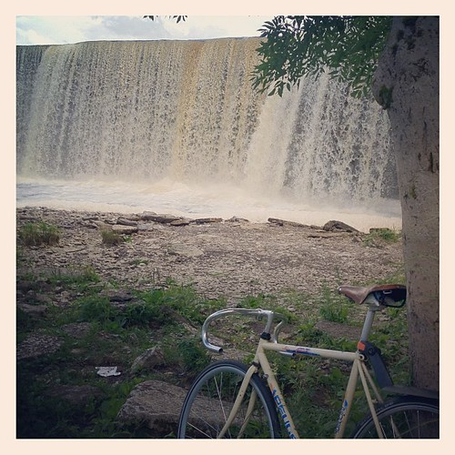 #cyc4lib #estonia #touring #ogol #fixedgear #fixie #peugeot #waterfall