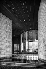 Landtag Düsseldorf (Johannes Lietz) Tags: bw architecture landtag shift architektur nrw sw 24mm hdr tiltshift düsseldorf bildarchivkategorien pcenikkor24mmf35ded silverefex hdrefex d800e