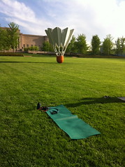Yoga at the Nelson-Atkins Museum of Art (Average Jane) Tags: grass yoga museum lawn nelson mat atkins shuttlecock