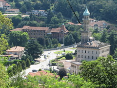 Italy - Piedmont - Lake Orta - San Guilio - Sacre Monte - View over Villa Crispi (JulesFoto) Tags: italy piedmont lakeorta sacredmountain lagodiorta sacremonte sanguilio villacrispi
