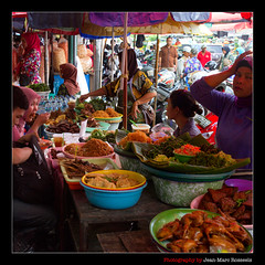 What's Your Choice? (jean-marc rosseels (very busy)) Tags: street food woman colors canon indonesia women market ngc streetscene yogyakarta seller customers warung jalanmalioboro canon7d jeanmarcrosseels