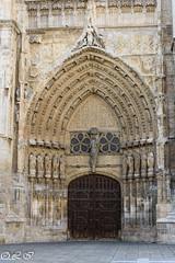 Puerta de Santa Maria o del obispo. (Inapapel) Tags: palencia d7200 sigma1750mm puerta catedral spain europe puertameridional puertadesantamariaodelobispo flickr nikon