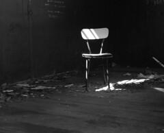 8353.Chair (Greg.photographie) Tags: mamiya rb pros mediumformat 6x7 moyenformat sekor sekornb 127mm f38 film analog shanghai gp3 r09 noiretblanc bw blackandwhite chair chaise