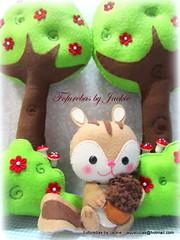 Esquilo Feliz (Fofurebas - By Jackie) Tags: decoraodefestas decoraoinfantil decoraodemesa esquilo squirrel feltro felt brancadeneve chapeuzinhovermelho fofurebas bichosdafloresta