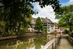 Strasbourg - France (Bouhsina Photography) Tags: strasbourg france water river rivire street bouhsina bouhsinaphotogrphy nature alsace canon 5diii 2016 scene atmosphere arbres vlo facades reflection