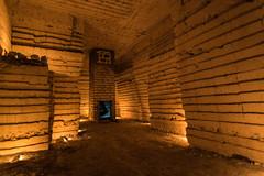 Puit d'aration servi sur sa taille en gradin (Bre) Tags: carrire craie puit naturelle lumire pause longue bougie underground souterrain