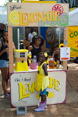 Lemonade Sales Smile (-Dons) Tags: girl austin texas unitedstates lemonade lemonadestand roundrockhoney hopefarmersmarket nationallemonadeday mikailaulmer beesweetlemonade