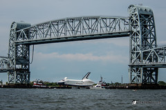 Enterprise Shuttle passing under Memorial Bridge in Jamaica Bay (Photo Rusch) Tags: bridge bay memorial under jamaica shuttle passing enterprise jamaicabay verrazanonarrowsbridge newyorkharbor gilhodgesmemorialbridge chasingenterpriseshuttlefromthebackofjfkairport tobayonneweeksport