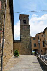 Poppi (MikePScott) Tags: camera italy tower church clouds buildings lens temple streetlight italia streetlamp synagogue chapel monastery lamppost tuscany toscana convent ecclesiastical poppi arezzo builtenvironment architecturalfeatures nikon18200mmf3556 nikond300 featureslandmarks towersetc