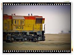 Locomotora 1439 del FCAB Modelo EMD-GR12  Rumbo al Terminal de Ácido en Mejillones - Chile (Victorddt) Tags: chile train tren locomotora mejillones emd fcab nortedechile iiregión gr12 nikond3100