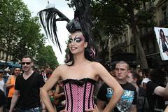 La vie en rose (Abascand) Tags: gay paris juin pride gaypride trans bi marche 2012 gays lesbien lesbiens lesbiennes fierts abascand