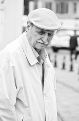 The old man (Maron) Tags: street travel bw white black turkey nikon istanbul marion reise tyrkia supermarion nesje d7000 marionnesje