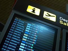 Embarque del primer vuelo a Mikonos (Iberia Express) Tags: madrid gate flight first greece grecia express boarding a320 iberia mikonos t4 embarque barajas iberiaexpressontime