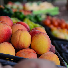peaches (lokeswari) Tags: vegetables fruit duck fruitstand ducknc vegetablestand tomatoshack
