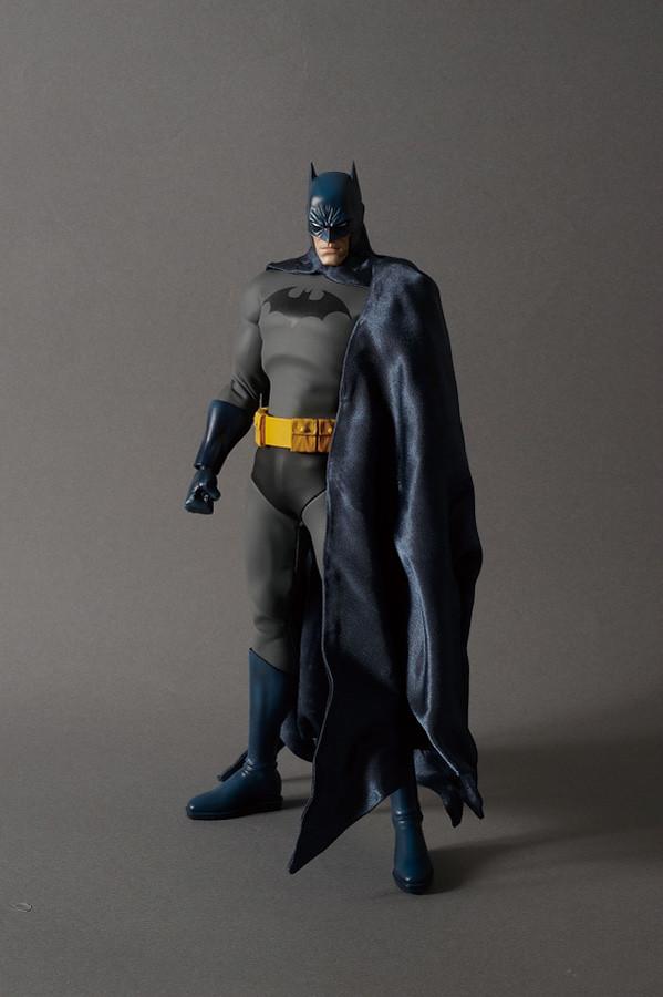 MEDICOM TOY - RAH:蝙蝠俠(HUSH Ver.)& 小丑(HUSH Ver.)