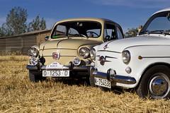 600s (Ivn Lozano photography) Tags: classic car canon reliquia seat ivan coche 600 burgos clasico lozano seat600 puentedura antigo