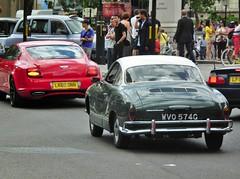 Bentley Supersports & VW Karmann Ghia (kenjonbro) Tags: uk red england green london westminster cream trafalgarsquare gt charingcross bentley ghia sw1 karmann twotone supersports kenjonbro fujifilmfinepixhs10 wvo574g lk60dnn
