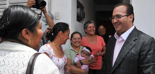 El gobernador Javier Duarte de Ochoa entregó viviendas en El Dique.