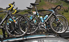 Team Sky (iBike pics ( Graeme Warren)) Tags: teamsky pinarellobikes pinarello 2016 tdf tourdefrance coldelaramaz dogma duraace