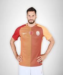 Hakan Balta (l3o_) Tags: galatasaray sar krmz red yellow forma jersey football futbol hakan balta
