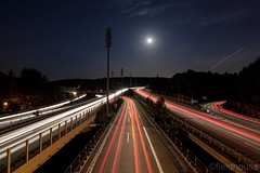 ....alleswiruns (l.fieldhouse) Tags: traffic exposure long shootingstar moon streets motorway night