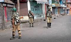 SRINAGAR: separatist call 'Aripathan Badgam Chalo' on Friday (legend_news) Tags: srinagar jammuandkashmir india security forces enforcing curfew safa kadal down town 42nd day aimed separatist call aripathan badgam chalo friday uni