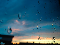 Le calme aprs la tempte (Ath Salem) Tags: pluie tempte mauvais temps rain drop storm goutte window fentre vitre artistique liege belgique coucher de soleil sunset nuage clouds