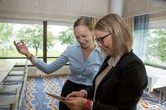 Kokouksen suunnittelijat Scandicissa (VisitLakeland) Tags: scandic hotel meeting kokous nainen woman women naiset business ty work