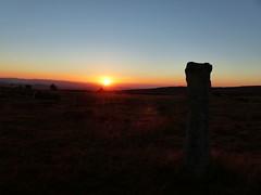 Lever de soleil au Mont Lozre (Marc Pquignot) Tags: chemindestevenson montlozre lozre montjoie levdesoleil
