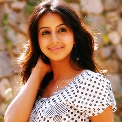 South Actress SANJJANAA Photos Set-4 (9)