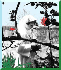 In the garden (Kay Harpa) Tags: lescommuniantes catholiques chrétiens religion premièrecommunion communionsolennelle photofamily france thebiggestgroup