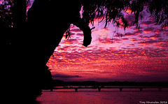 Sunset Maroochydore. (troyhovenden) Tags: australia adventure photography sunset photographaustralia canon canonaustralia canonofficial canon700d ilovephotography holidays bestpics greatshots landscapes landscapephotography sunshinecoast maroochydore qld outdoors