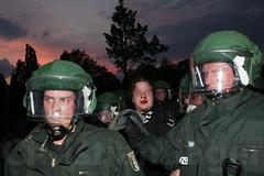 1.Mai Berlin 2012-9668 (Christian Jäger(Boeseraltermann)) Tags: berlin demonstration feuer polizei brutal 1mai pyros barrikaden schläge pyrotechnik polizeigewalt festnahmen tritte schwerverletzt christianjäger wawe10000 boeseraltermann 017634423806