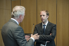 Klaus-Peter Siegloch talks with Lars Erik Bartnes at the Ministers' Roundtable: Volcanic Ash and other Crises