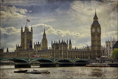 London (dmelchordiaz) Tags: b