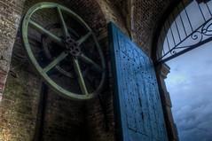 Das Riesenrad auf die Tore der Hlle ffnen (It's my whole damn raison d'etre) Tags: alex wheel giant washington nikon gate fort maryland gear cog hdr d300s erkiletian