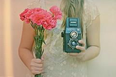 Vale la pena luchar por lo que amas. (paulino herrera ) Tags: flowers wild flores love vintage nikon retro paula soul lovely amistad analogico