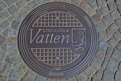 Manhole Cover, Gamla Stan, Stockholm (Peter Cook UK) Tags: stockholm gamlastan manholecover