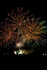 Concours d'Art Pyrotechnique - Bordeaux Fete le Vin 2012 37 (Val_tho) Tags: canon eos fireworks thomas bordeaux garonne canoneos feu artifice 2012 valadon sigma1850f28 1850mmf28 sigma1850mm28exdc 400d eos400d sigmaex1850mmf28 bordeauxfetelevin moskitom