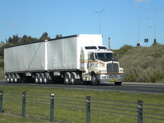 Shackell Kenwort T404S (KW BOY) Tags: tractor truck prime highway transport australian melbourne semi lorry rig hauling express bd hume conventional mover trucking kw 2012 kenworth haulage shackell ouble t404s